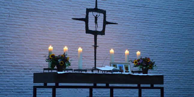 Altar Ansgarkirche, Ev.-Luth. Tabita-Kirchengemeinde