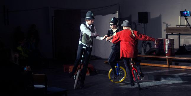 Zirkusschule Tabita-Kirchengemeinde, Einrad-Kurs